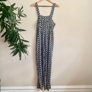 Urban Outfitters Pants - URBAN OUTFITTERS - Black and white print jumper